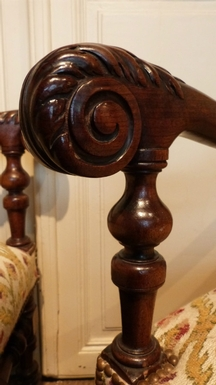 style Arm seats in carved wood, French 18 th Century