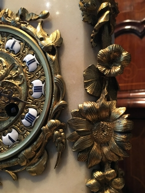 Napoleon III style Mantel clock in bronze / gilded bronze / white marble, French 19th Century